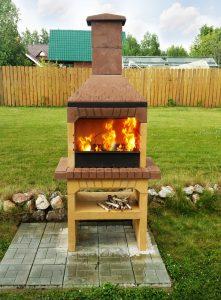 Барбекю печь с коричневой столешницей